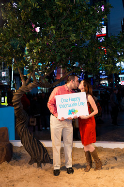 Couples celebrate One Happy Valentine's Day on Aruba's One Happy Island in Times Square. Photo Credit: Stephen Freeman 2013.