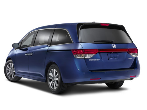 2014 Honda Odyssey Touring Elite® makes world debut in New York with host of safety upgrades and innovations, including HondaVAC™, the first in-car vacuum.