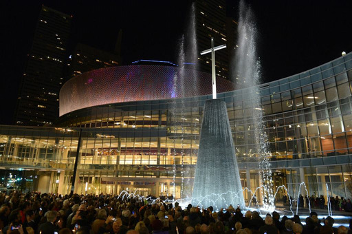 In a dramatic ceremony March 24, 2013, First Baptist Dallas lit the 68-foot cross-tower fountain at the heart of its new $130 million campus opening Easter Sunday.