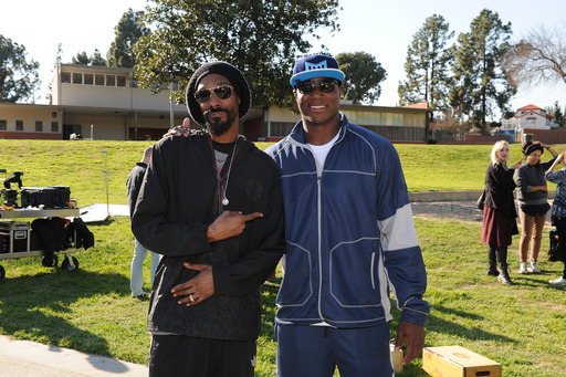 Snoop Lion joined Team DeMarcus Ware in the Depend Players Challenge as part of The Great American Try On to help raise money for prostate cancer research.