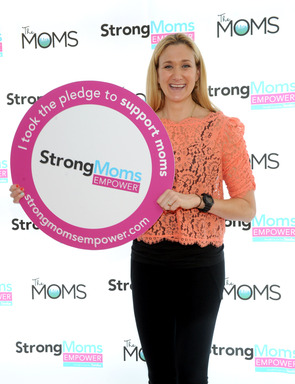 Kerri Walsh Jennings, Olympic gold medalist and mom, shows her support for moms at the StrongMoms Empowerment Summit, hosted by Similac, May 7, 2013, in NYC. (Photo by Diane Bondareff/Invision for Similac)