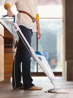 Using heat and water and a built-in scrubber, the BISSELL PowerFresh thoroughly cleans tough messes from hard floors.