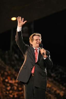 Evangelist Reinhard Bonnke speaking at a CfaN crusade.