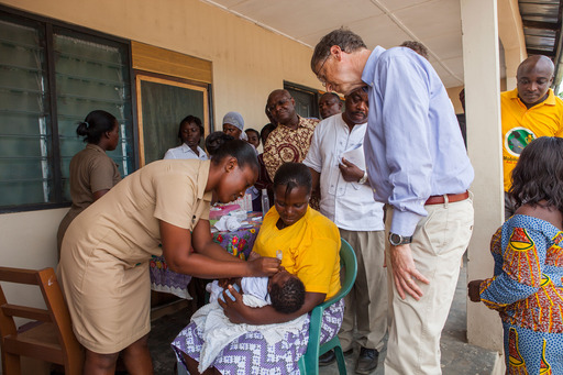 Bill Gates visited a Community-Based Health Planning & Services Center in Ghana to see how strong immunization systems protect against polio and can deliver new vaccines and primary health care. Credit: ©Bill & Melinda Gates Foundation/Frederic Courbet