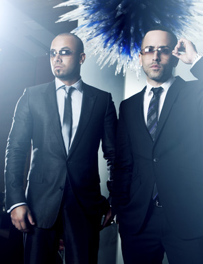 Wisin y Yandel se presentarán en los Premios Billboard de la Música Latina por Telemundo.  Wisin y Yandel to perform at the Billboard Latin Music Awards on Telemundo.