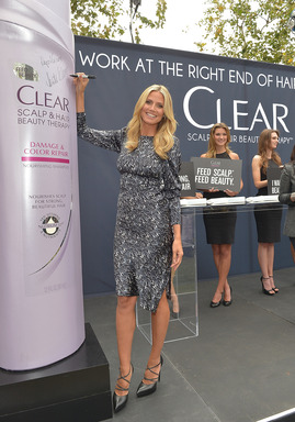 Heidi Klum rallied women to join her in working at the right end of hair – the scalp – with CLEAR SCALP & HAIR BEAUTY THERAPY at an event in L.A. and on Facebook.com/clearhaircare.