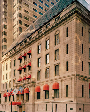 Winners of the @Hotelsdotcom #GreatGiveaway will feel like they're rolling in the dough when staying at The Langham, Boston