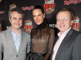 61672-alessandra-ambrosio-poses-with-bacardi-executives-at-the-rolling-stone-hosted-bacardi-rebels-concert-event-on-cuban-independence-day-sm