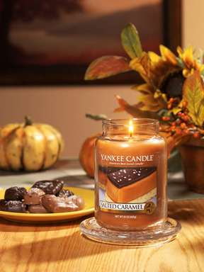 Indulge this fall with Yankee Candle Salted Caramel