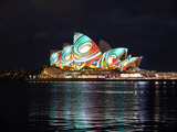 61771-vivid-sydney-2013-lighting-of-the-sails1-sm