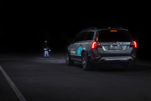 Volvo Cars now makes the detection and auto brake technology work effectively also when driving in darkness.