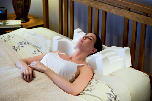 JuveRest: The Sleep Wrinkle Pillow encourages proper alignment of the neck and back allowing you to sleep comfortably on your back or side without compressing your face.