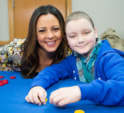 Country Music artist Sara Evans brightened the day of St. Jude patient Chance.
