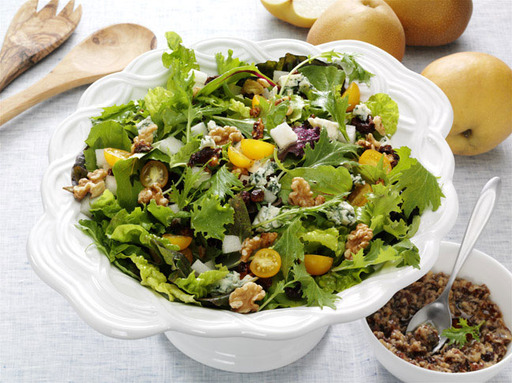 "Fisher® Nuts and Iron Chef Alex Guarnaschelli have announced the winner of the first-ever ""My Fresh Twist"" Recipe contest – a Walnut-Bleu Date Vinaigrette Salad, submitted by Lori McLain."