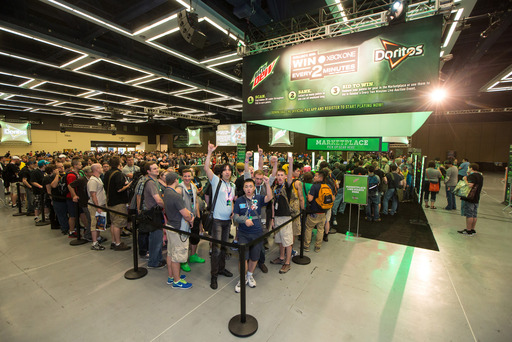 "Thousands of fans and gamers get ready to enjoy PAX Prime 2013 and redeem points for tickets for entry into the Live Auction event and exclusive gear at the Mountain Dew® and Doritos® "" Every 2 Minutes"" Marketplace in Seattle, Wash."