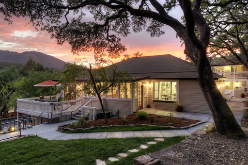 The 2014 TripAdvisor Travelers' Choice Awards for Hotels named the Olea Hotel in Glen Ellen, CA among the top hotels for romance in the U.S. (A TripAdvisor traveler photo)
