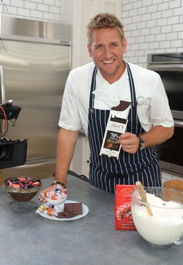 "Celebrity Chef Curtis Stone heats up the kitchen with Lindt chocolate to kick off the ""Taste the Difference"" campaign, launching today."