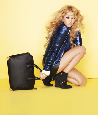 (October 3, 2013) – JustFab, the worldwide leading fashion subscription e-commerce site and lifestyle fashion brand, today launched the Paulina Rubio for JustFab Collection, available exclusively on JustFab.com.
