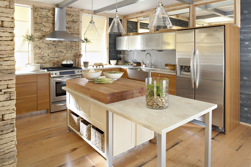This kitchen integrates Corian® Burled Beach from The Naturalist color palette.