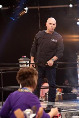Michael Symon mentors in the ring