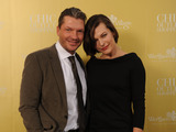 Milla_jovovich__hardy_krueger_jr_10_jahre_wertheim_village_chic_outlet_shopping-sm