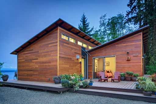 Blu Homes' Vashon Island, WA, Glidehouse and Pod was recognized with Gold in the category of Systems-Built/Modular Homes.