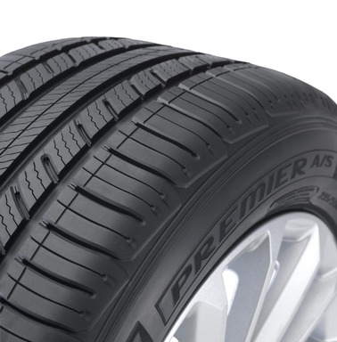 MICHELIN® Premier® A/S tire with EverGrip™ Tread Close Up