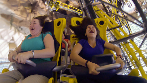 El Loco's small four-person cars feature an innovative open-carriage design allowing the vehicle to make tighter, faster turns and giving riders the feeling of flying as they twist around every turn.