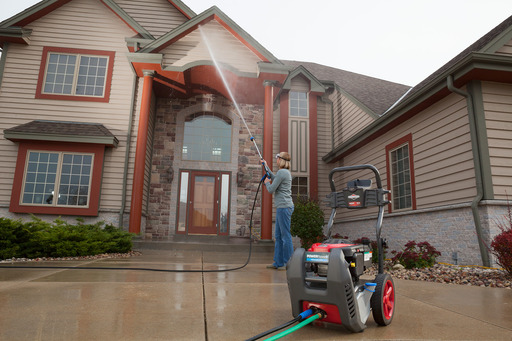 With most pressure washers, the water dissapates before it can reach a second story window. Not with POWERflow+!