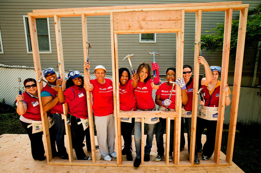 "Habitat for Humanity and Lowe's have launched ""Hammers for Habitat,"" a nationwide volunteer drive to mobilize 100,000 new volunteers."