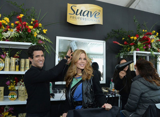 Suave Professionals® partners with GLAM4GOOD. Women everywhere can get and give a touch of glam by visiting Suave.com to receive a Suave Professionals® Natural Infusion sample and share one with a friend.