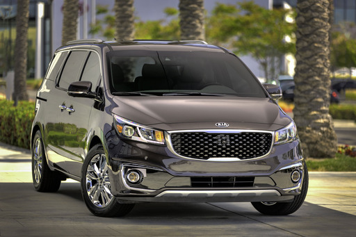 Sedona advances value to new levels of sophistication with advanced safety features and available driving-aid technologies, premium materials and amenities.