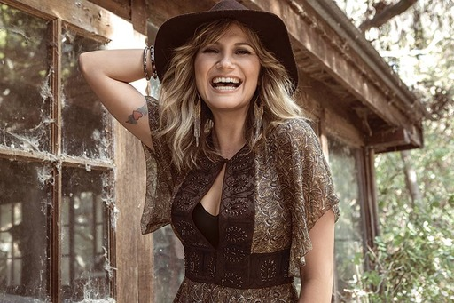 Grammy Award-winning country music artist Jennifer Nettles joins the line-up for the 25th anniversary broadcast of the National Memorial Day Concert on PBS Sunday, May 25, 2014, at 8:00 p.m.