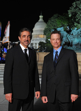 Joe Mantegna (left) and Gary Sinise (right) host the 25th anniversary broadcast of PBSs National Memorial Day Concert airing live from the West Lawn of the U.S. Capitol Sunday, May 25 at 8 p.m.