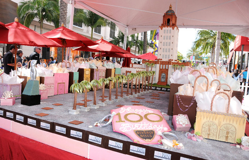 Luxe Rodeo Drive Hotel and Guittard Chocolate Company presented a 15,000-piece cake to Beverly Hills on Rodeo Drive 4/27/14, to celebrate the Beverly Hills Centennial.