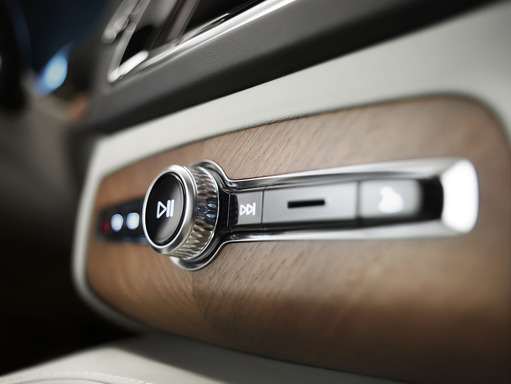 Extra attention has been taken to ensure that fine detailing and high quality materials blend into a seamless statement of quality in the All-New Volvo XC90.
