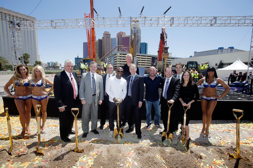 Executives from AEG and MGM Resorts, and special guests commemorate the groundbreaking of the Las Vegas Arena. (L to R): Sisolak, Murren, Schaefer, Mayweather, Walton, Gray, White, Beckerman, Robitaille, Williams