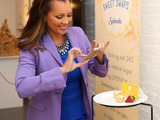 "Vanessa Williams posts the ""$25,000 Swap"" at the SPLENDA® 365 SWEET SWAPS™ event, triggering an initial donation to the American Diabetes Association by sharing hashtag #SweetSwaps"