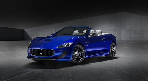 The GranTurismo MC Centennial Edition convertible has a special 3-layer paint finish of Inchiostro Blue, representing a traditional color of Bologna, the town where Maserati was founded in 1914.