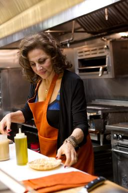 Kathy Najimy on Food Network's Rachael vs. Guy Celebrity Cook-Off