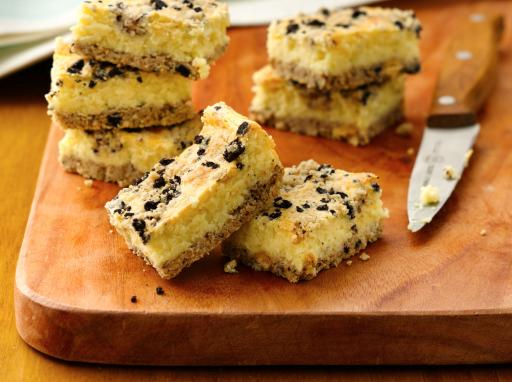 Cookies and Crème Cheesecake Bars