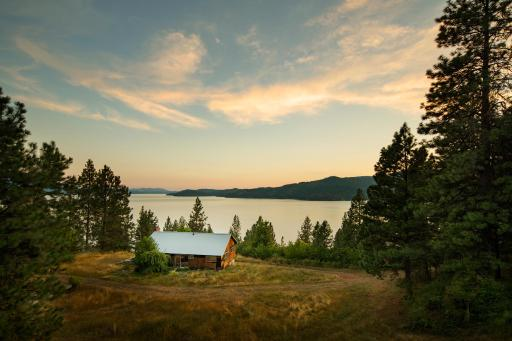 2015 Blog Cabin overlooking Lake Coeur D'Alene