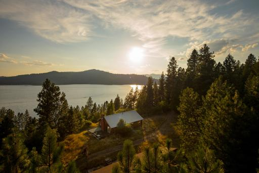 2015 Blog Cabin mountain retreat in Coeur D'Alene, Idaho