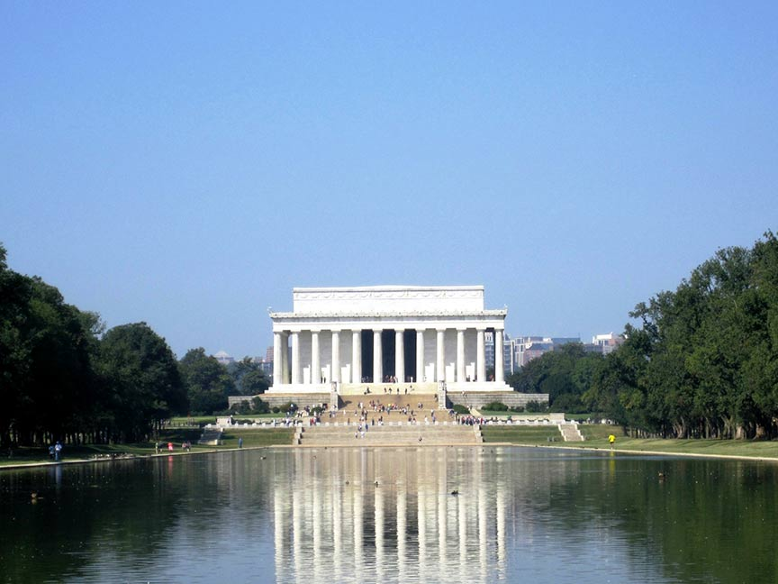 Lincoln Memorial and Reflecting Pool is among the top U.S. landmarks, according to the 2014 TripAdvisor Travelers' Choice awards for Attractions. (A TripAdvisor traveler photo)