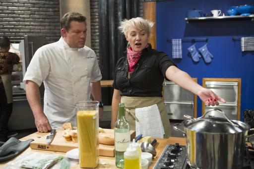 Tyler Florence with Contestant Sarah Bettendorf on Worst Cooks in America