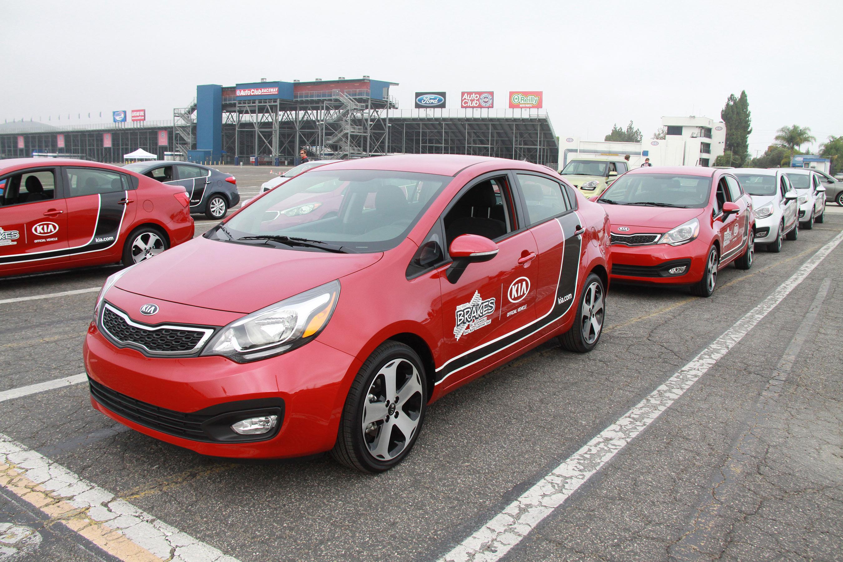 Kia motors expands partnership with b r a k e s teen pro for Kia motors usa com