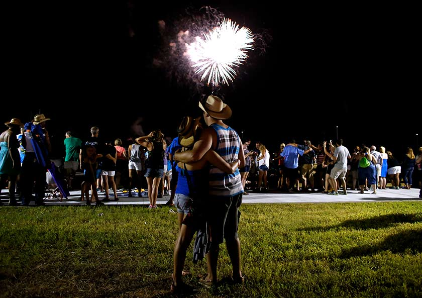 Harrah's Gulf Coast celebrated its Grand Opening with a performance by Darius Rucker and a dynamic fireworks display.