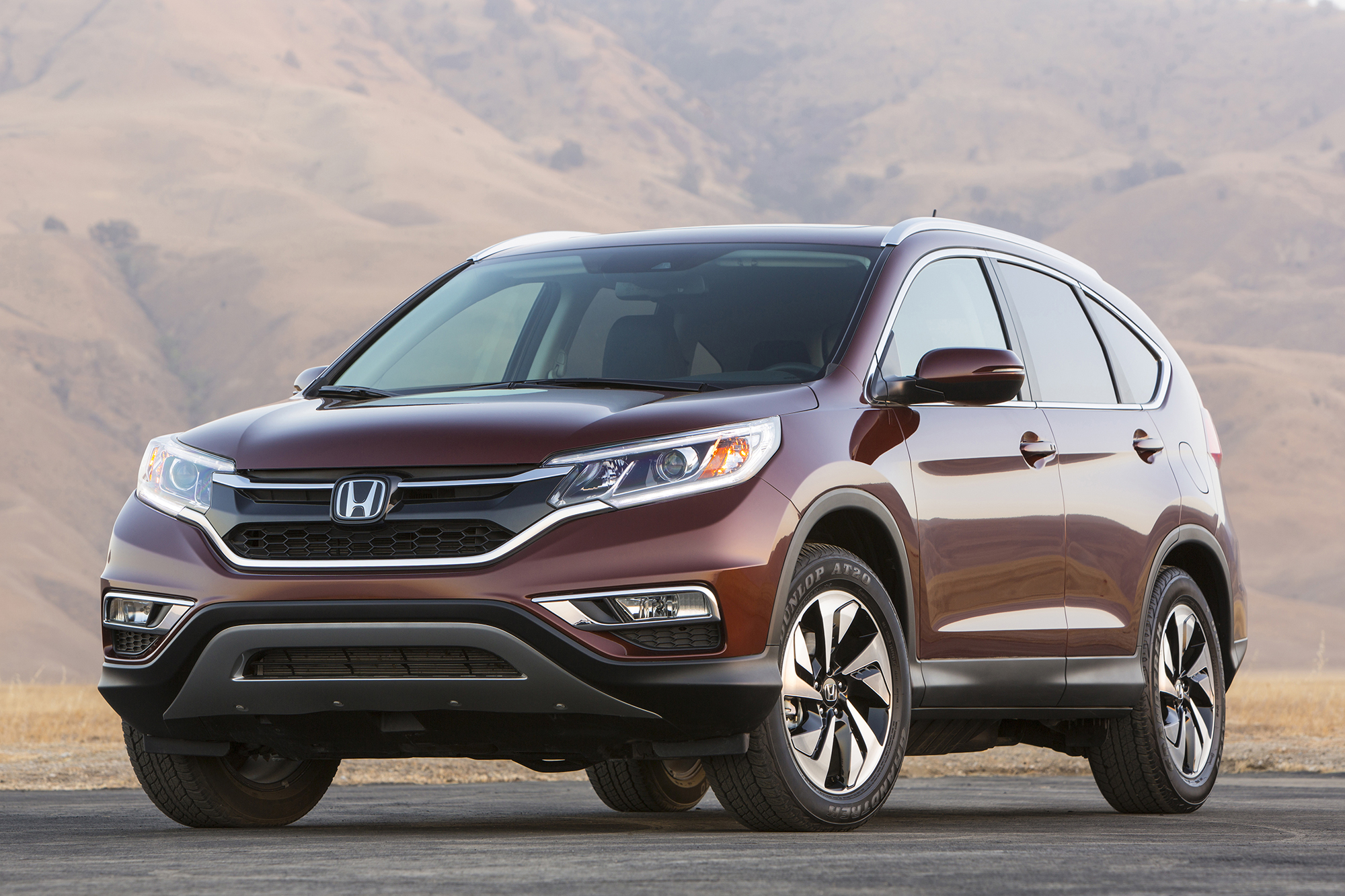 http://www.multivu.com/players/English/7258851-honda-cr-v-named-2015-motor-trend-sport-utility-of-the-year/gallery/image/e3a133af-aa4d-42db-8a6e-ca55a1744288.HR.jpg