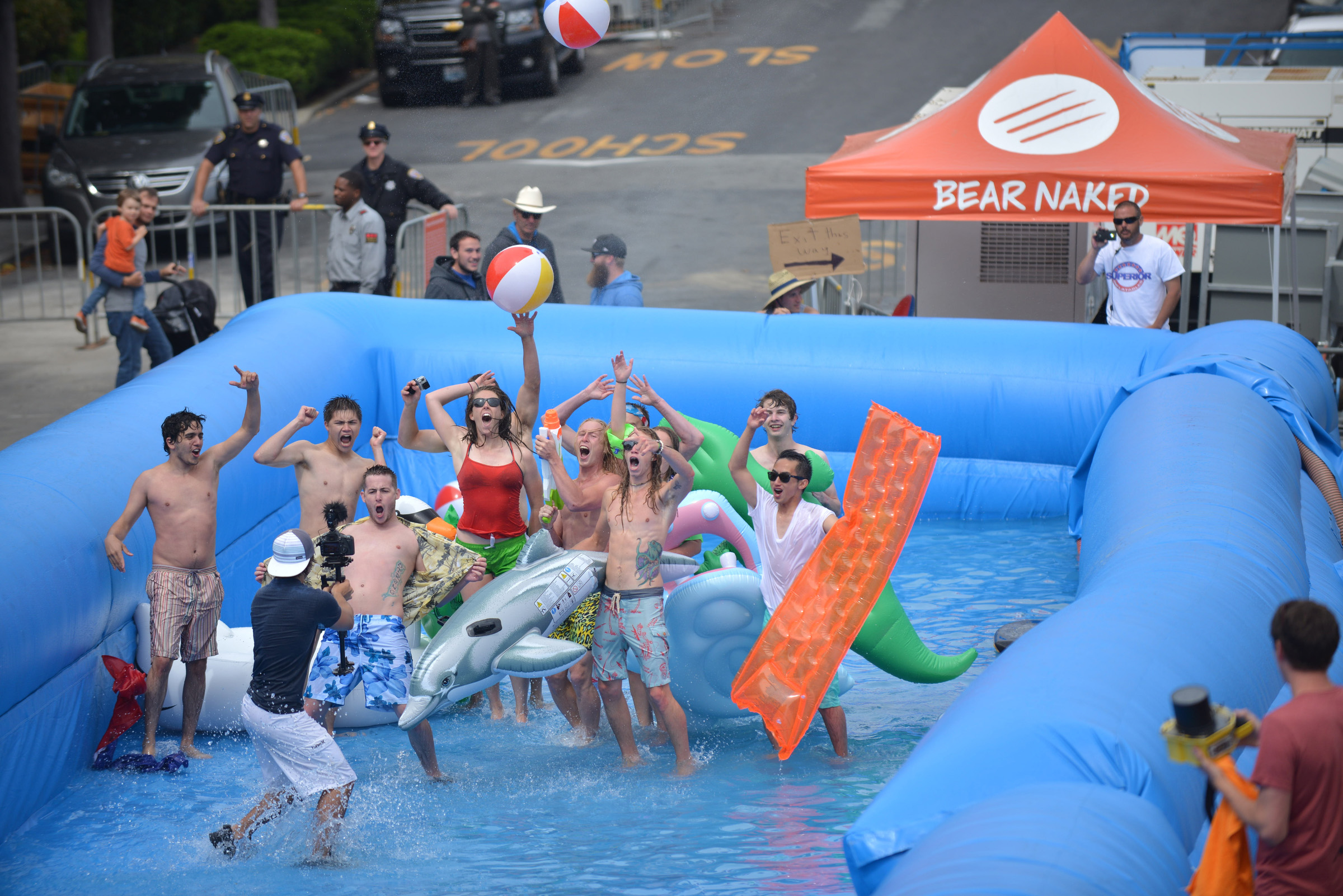 Adventure-lovers celebrate summer in San Francisco during a #chasethesun event fueled by Bear Naked Granola. (Photo by John Feria /AP Images for Bear Naked)