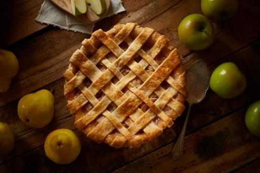 Spiced Pear and Apple Pie